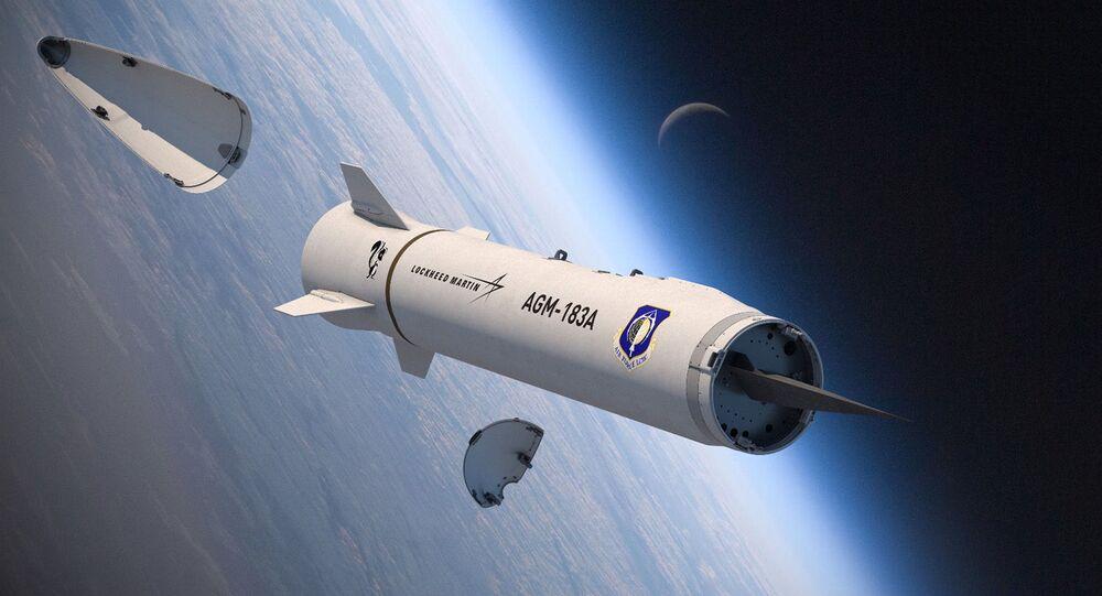 Vykreslování Zbraně AGM-183A (ARRW) ukazující její hypersonickou kluznou hlavici