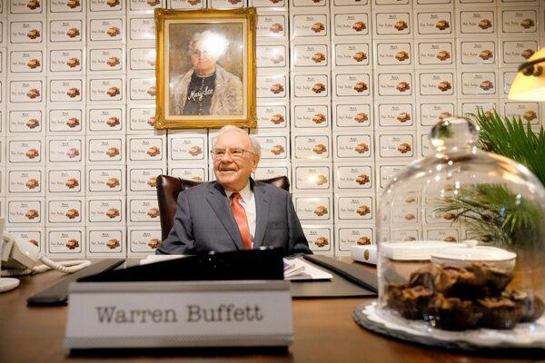 Americký investor a majitel společnosti Berkshire Hathaway Warren Buffett, jmění - 96 mld. dolarů. - Sputnik Česká republika