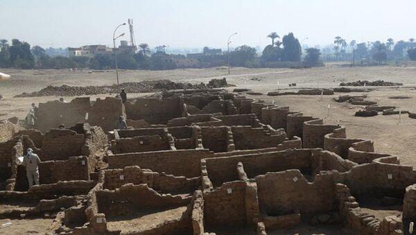 """Egyptské """"zlaté město"""" nedaleko Luxoru - Sputnik Česká republika"""