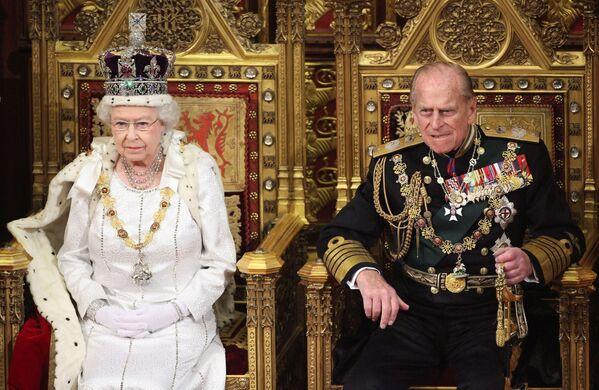 Královna Alžběta II. se svým manželem princem Philipem, 2012.   - Sputnik Česká republika