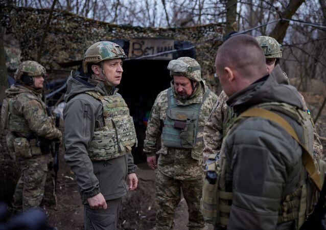 Ukrajinský prezident Volodymyr Zelenskyj na Donbasu