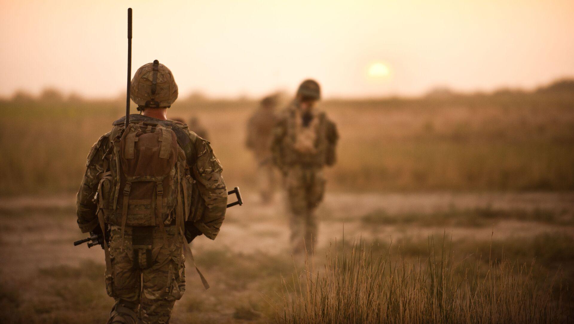 Britští vojáci během hlídkování v Afghánistánu - Sputnik Česká republika, 1920, 14.04.2021