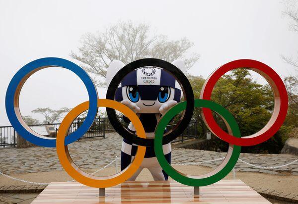 Olympijský maskot Letních olympijských her v Tokiu 2020 Miraitowa. - Sputnik Česká republika