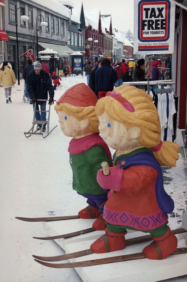 Dřevěné maskoty Zimních olympijských her 1994 v Lillehammeru v Norsku. - Sputnik Česká republika