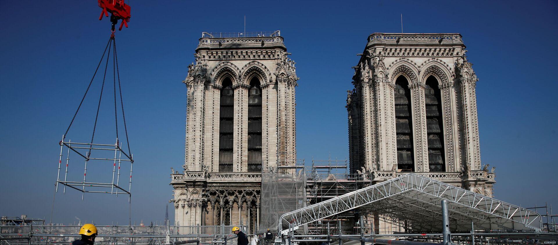 Dva roky po ničivém požáru. Jak probíhá rekonstrukce katedrály Notre Dame de Paris - Sputnik Česká republika, 1920, 15.04.2021