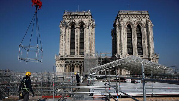 Dva roky po ničivém požáru. Jak probíhá rekonstrukce katedrály Notre Dame de Paris - Sputnik Česká republika
