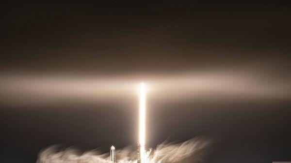 Start rakety Falcon 9 americké společnosti SpaceX - Sputnik Česká republika