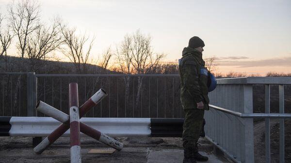 Člen Společného centra na kontrolu a koordinace režimu příměří na Donbasu - Sputnik Česká republika