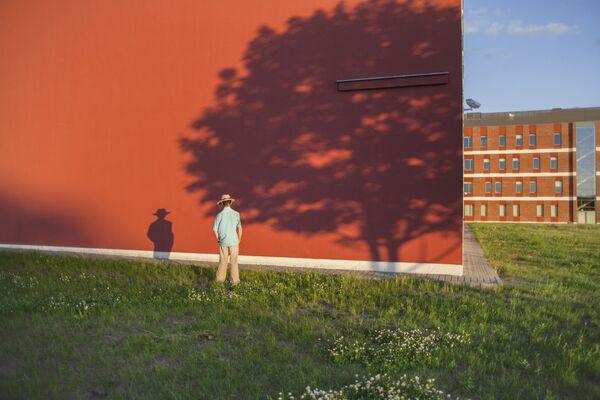 Dokonale tvarovaný stín na fotografii Tadeusza Gapinski. - Sputnik Česká republika