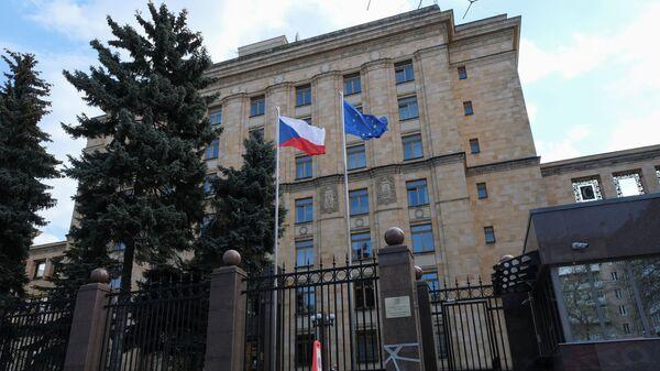Здание посольства Чехии на улице Юлиуса Фучика в Москве - Sputnik Česká republika