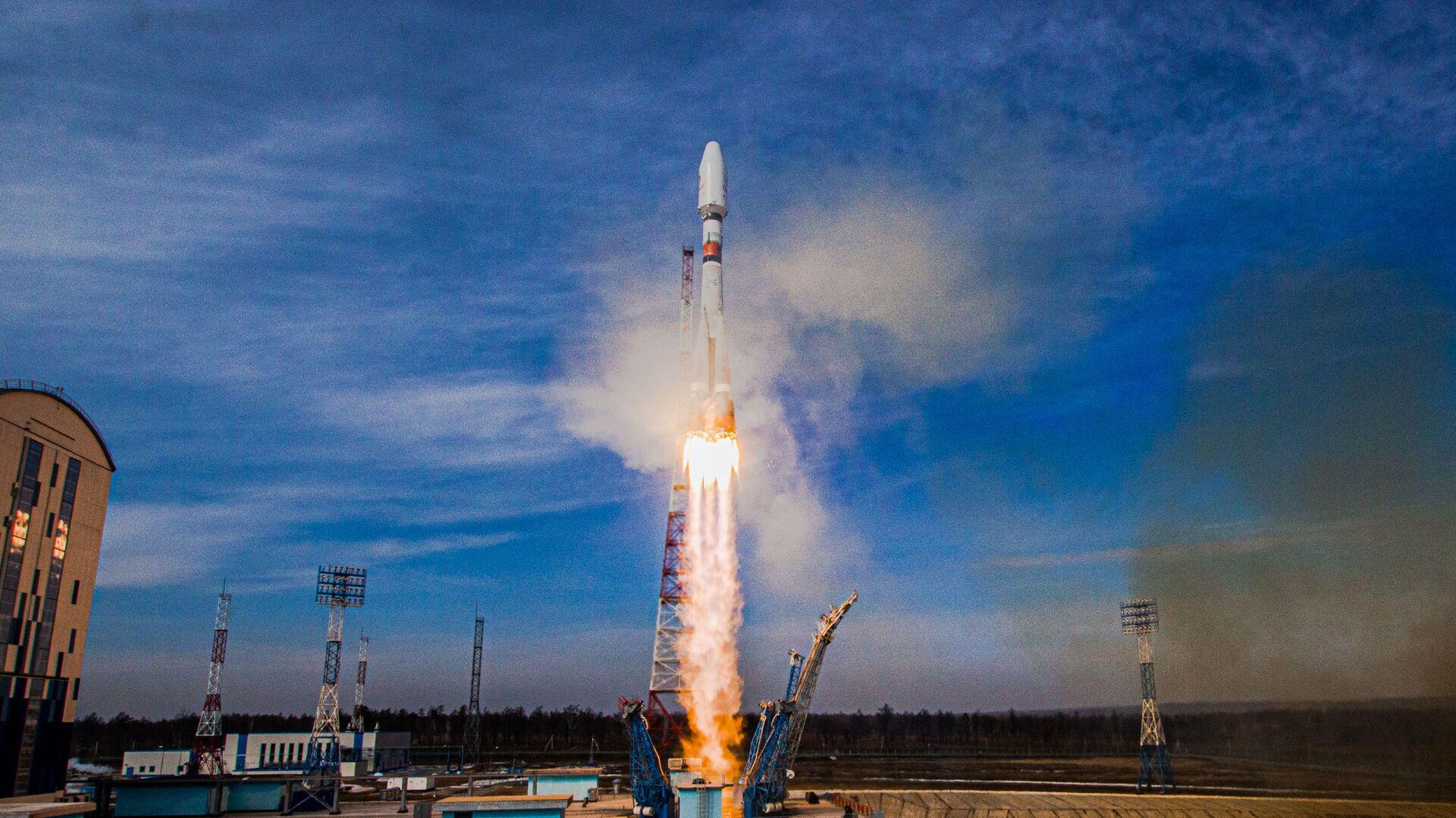 Start nosné rakety Sojuz 2 z kosmodromu Vostočnyj v ruské Amurské oblasti - Sputnik Česká republika, 1920, 22.08.2021