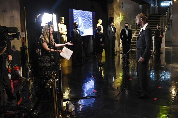 Herec Lakeith Stanfield během video vysílání 93. ročníku udělování cen americké kademie  v Londýně - Sputnik Česká republika