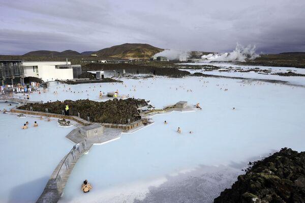 Termální bazén Modrá laguna na Islandu - Sputnik Česká republika
