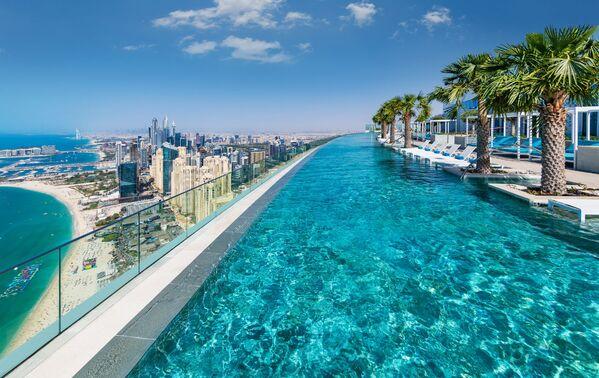 Nejvyšší panoramatický bazén na světě Address Beach Resort v Dubaji - Sputnik Česká republika