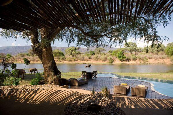 Bazén v srdci africké rezervace, Zambie - Sputnik Česká republika