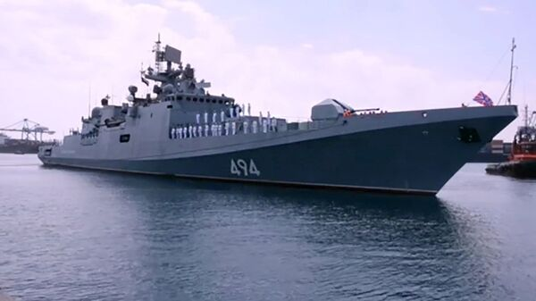 Российский военный корабль, фрегат Адмирал Григорович в порту Судана - Sputnik Česká republika