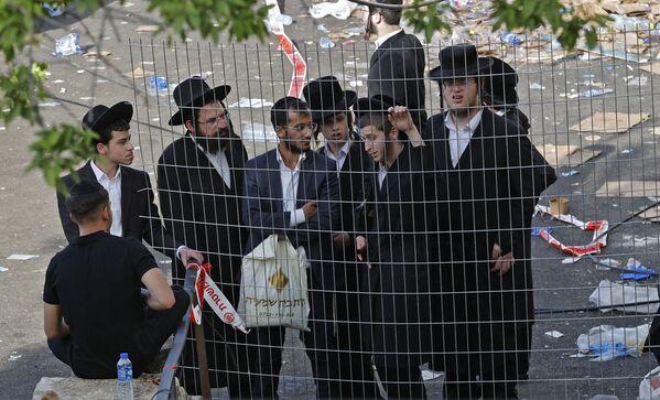 Ortodoxní Židé ve městě Meron na severu Izraele na místě tlačenice, k níž došlo v noci během náboženského shromáždění - Sputnik Česká republika