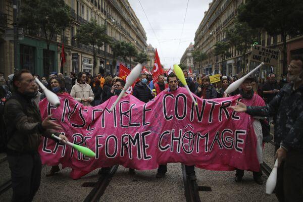 Pracovníci pořádají prvomájovou demonstraci ve francouzském městě Marseille - Sputnik Česká republika