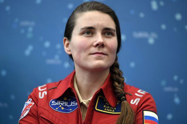 Jediná žena v ruském kosmonautickém sboru Anna Kikinová se připojila k posádce na let na ISS v roce 2022 - Sputnik Česká republika