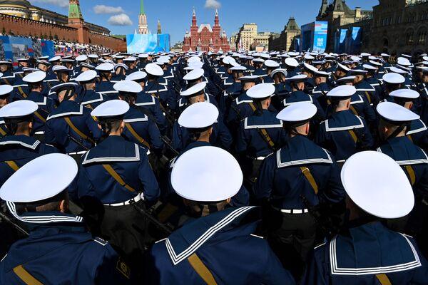 Ruští námořníci během generální zkoušky vojenské přehlídky na počest 76. výročí vítězství ve Velké vlastenecké válce. - Sputnik Česká republika