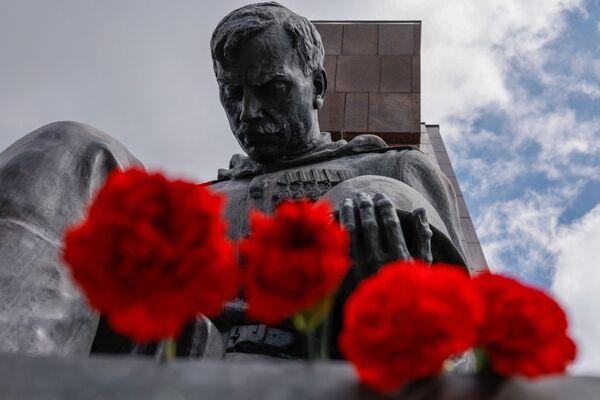 Sovětský vojenský památník v Berlíně, Německo. - Sputnik Česká republika