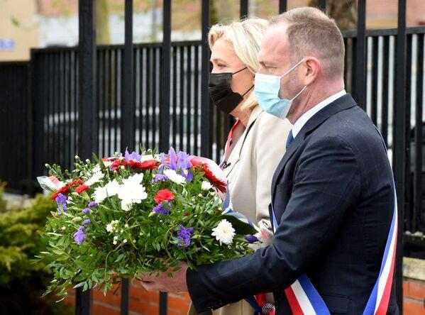 Marine Le Penová při oslavách Dne vítězství ve Francii. - Sputnik Česká republika