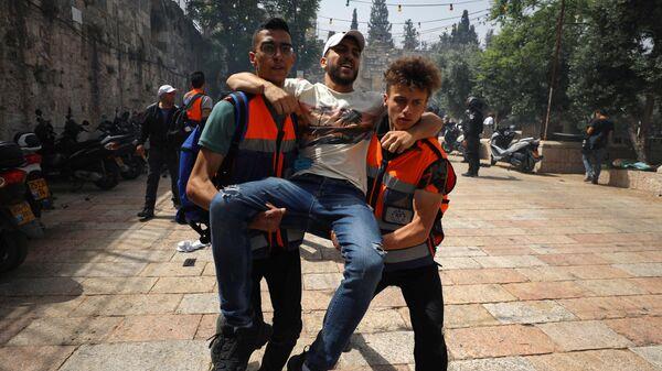 Столкновения палестинцев с израильскими силами безопасности у мечети Аль-Акса в Старом городе Иерусалима - Sputnik Česká republika