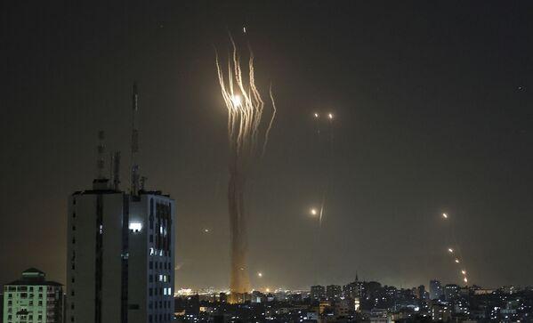 Rakety odpálené směrem k Izraeli z Pásma Gazy - Sputnik Česká republika