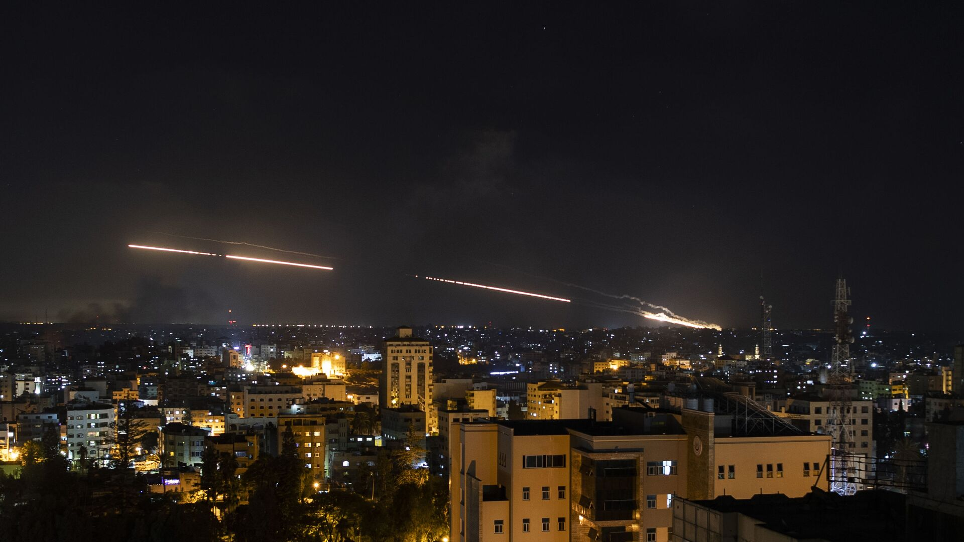 Rakety vypuštěné z Pásma Gazy na Izrael - Sputnik Česká republika, 1920, 14.05.2021