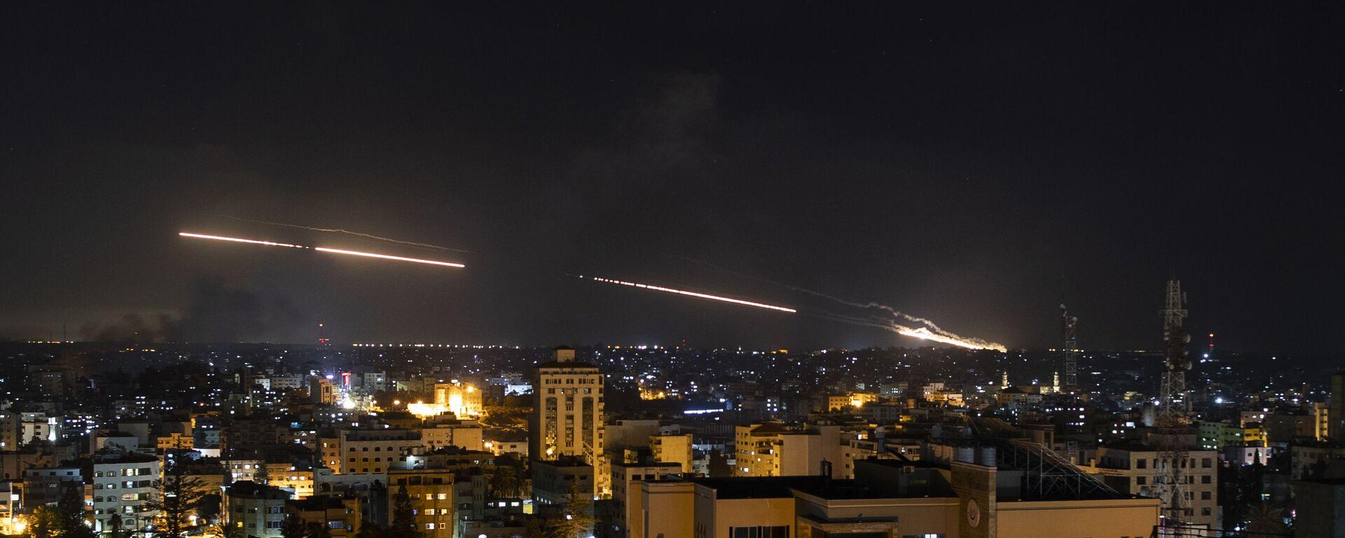 Rakety vypuštěné z Pásma Gazy na Izrael - Sputnik Česká republika, 1920, 15.05.2021