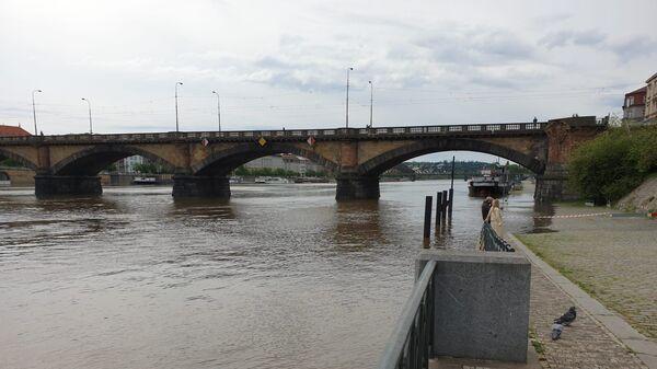 Разлив реки Влтавы в Чехии вследствие проливных дождей - Sputnik Česká republika
