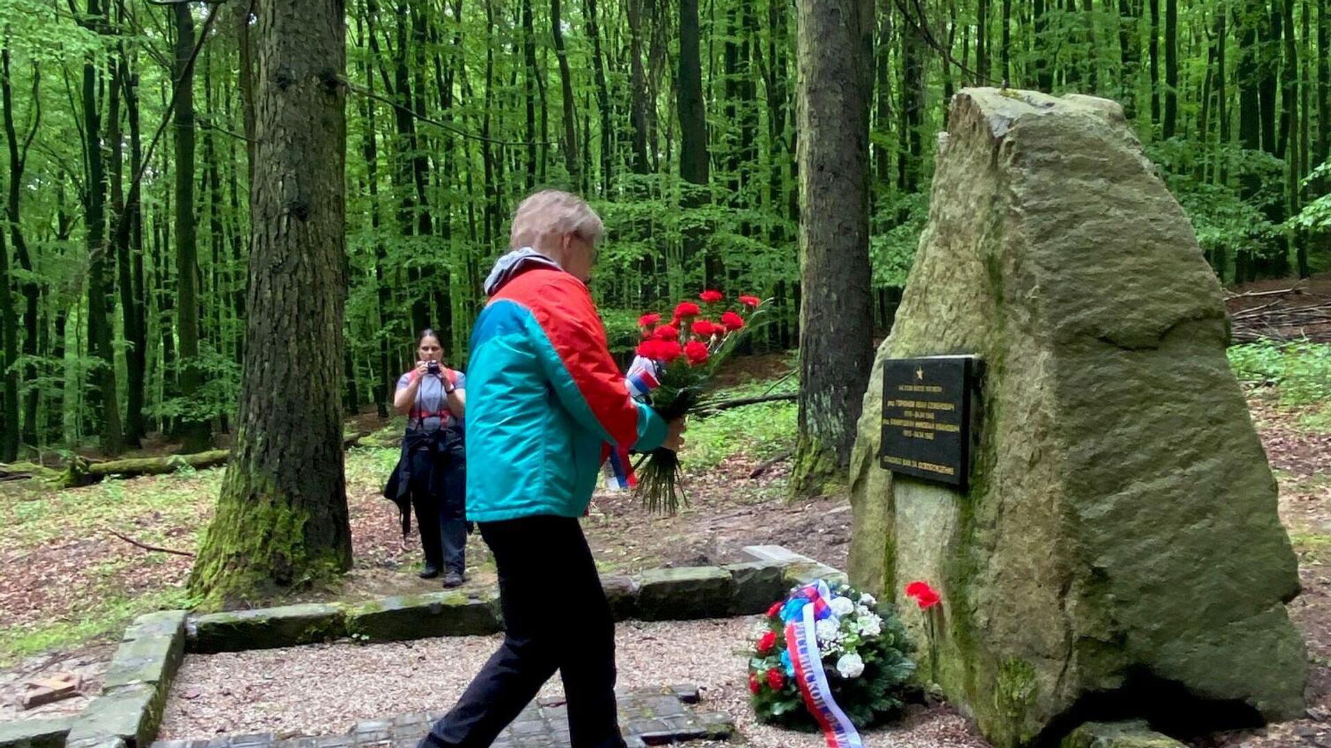 Pamätník vojakov Ivana Semjonoviča Gorjunova a Nikolaja Ivanoviča Jefimuškina - Sputnik Česká republika, 1920, 17.05.2021