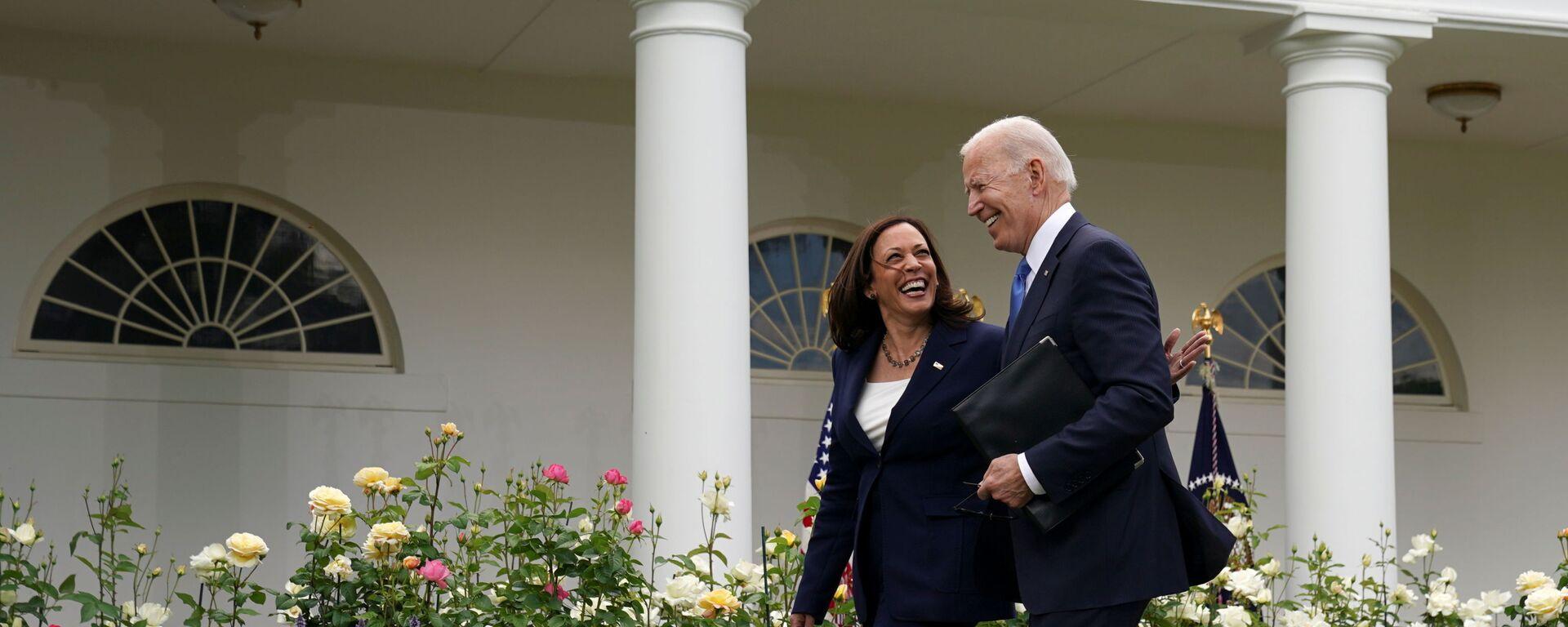 Prezident USA Joe Biden a viceprezidentka Kamala Harrisová - Sputnik Česká republika, 1920, 25.05.2021