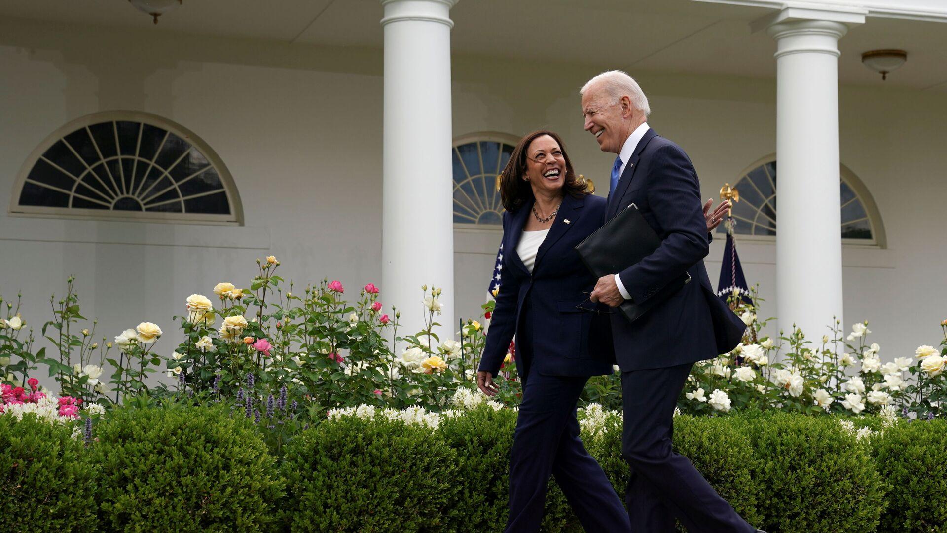 Prezident USA Joe Biden a viceprezidentka Kamala Harrisová - Sputnik Česká republika, 1920, 18.05.2021