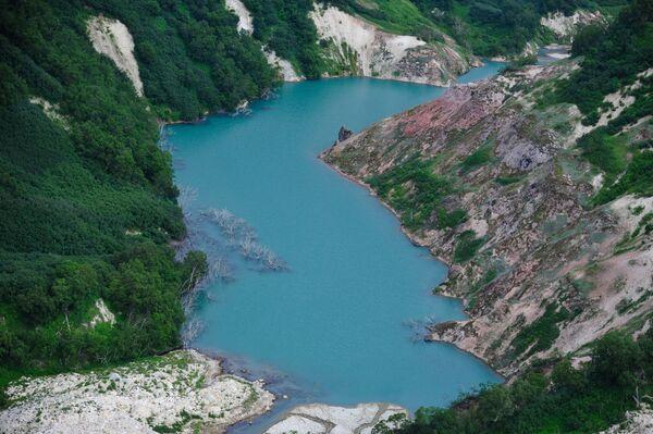 Pohled na řeku Gejzernuju v Dolině gejzírů v Kronocké státní přírodní biosférické rezervaci na Kamčatce. - Sputnik Česká republika