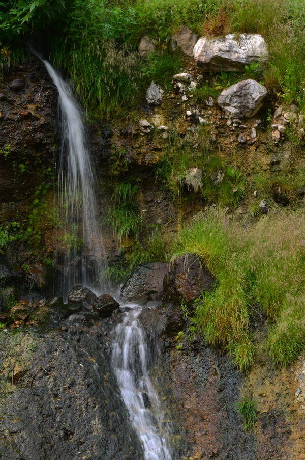 Vodopád Kosička (Copánek) v Kronocké státní přírodní biosférické rezervaci na Kamčatce.   - Sputnik Česká republika