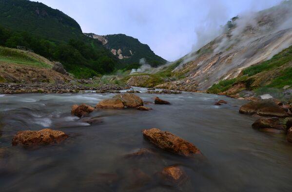 Řeka Gejzernaja v Dolině gejzírů v Kronocké státní přírodní biosférické rezervaci.   - Sputnik Česká republika