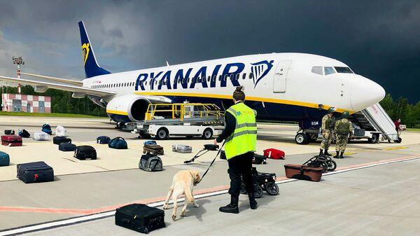 Самолет авиакомпании Ryanair в аэропорту Минска  - Sputnik Česká republika