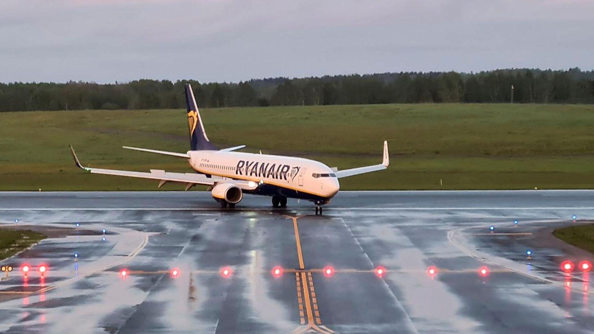 Letadlo společnosti Ryanair na letišti ve Vilniusu - Sputnik Česká republika, 1920, 24.05.2021
