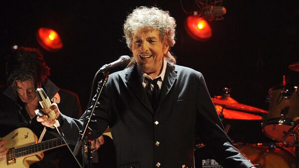 Боб Дилан выступает в Лос-Анджелесе - Sputnik Česká republika