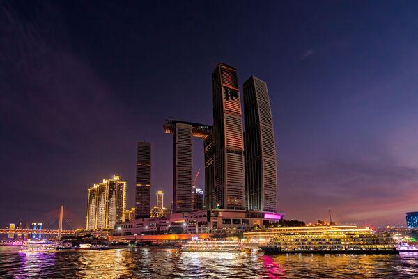 Budova Raffles City Chongqing v Číně - Sputnik Česká republika