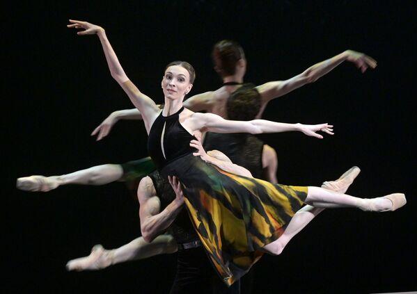 Olga Smirnovová během repetice baletního představení Postscript ve Velkém divadle v Moskvě. - Sputnik Česká republika