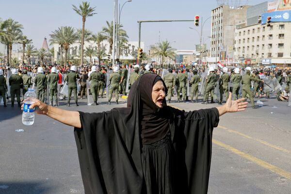 Protivládní protesty v Bagdádu, Irák. - Sputnik Česká republika