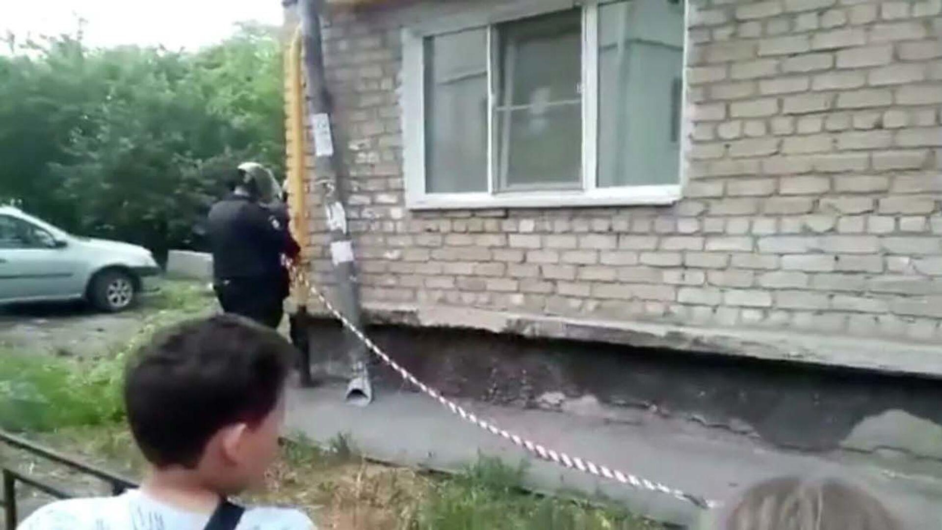 Muž v Jekatěrinburgu začal střílet z okna obytného domu - Sputnik Česká republika, 1920, 30.05.2021