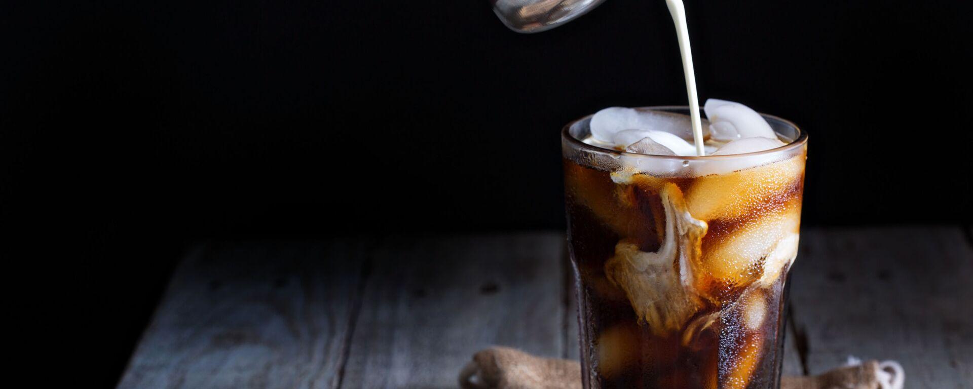 Ledová káva ve sklenici - Sputnik Česká republika, 1920, 01.07.2021