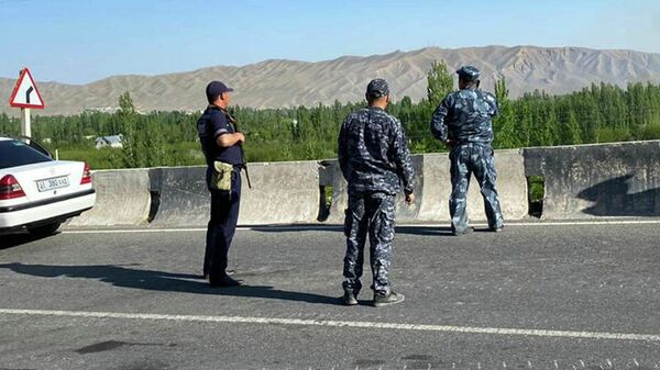 Сотрудники МВД Кыргызстана в приграничной зоне - Sputnik Česká republika