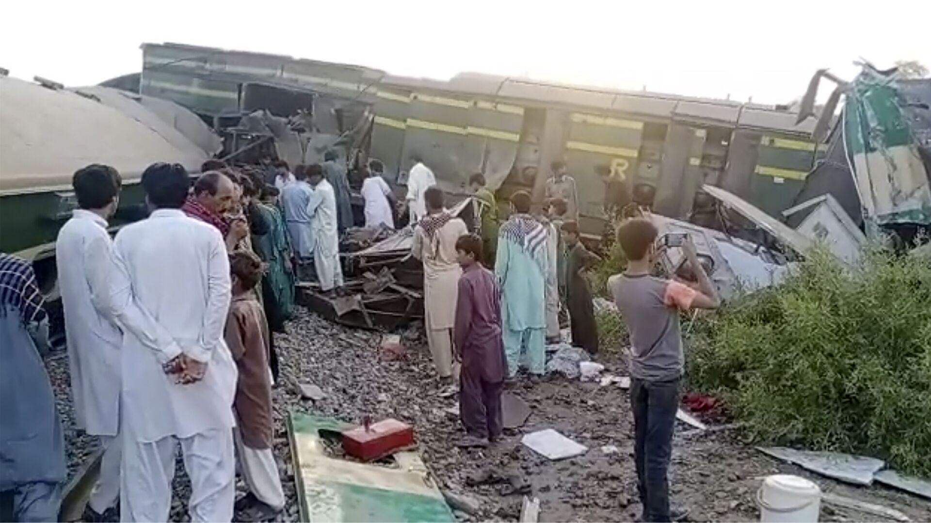 Střetu vlaků v Pákistánu v provincii Sindh - Sputnik Česká republika, 1920, 07.06.2021
