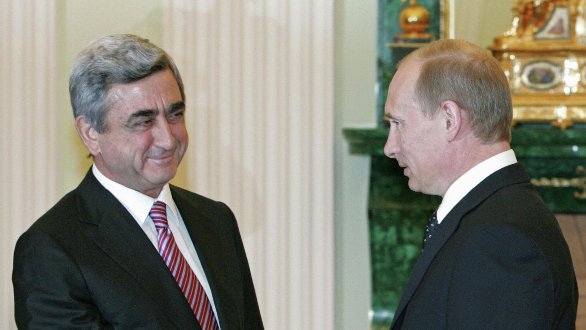 Tehdejší arménský prezident Serž Sakrisjan a Vladimir Putin v roce 2008 - Sputnik Česká republika, 1920, 09.06.2021