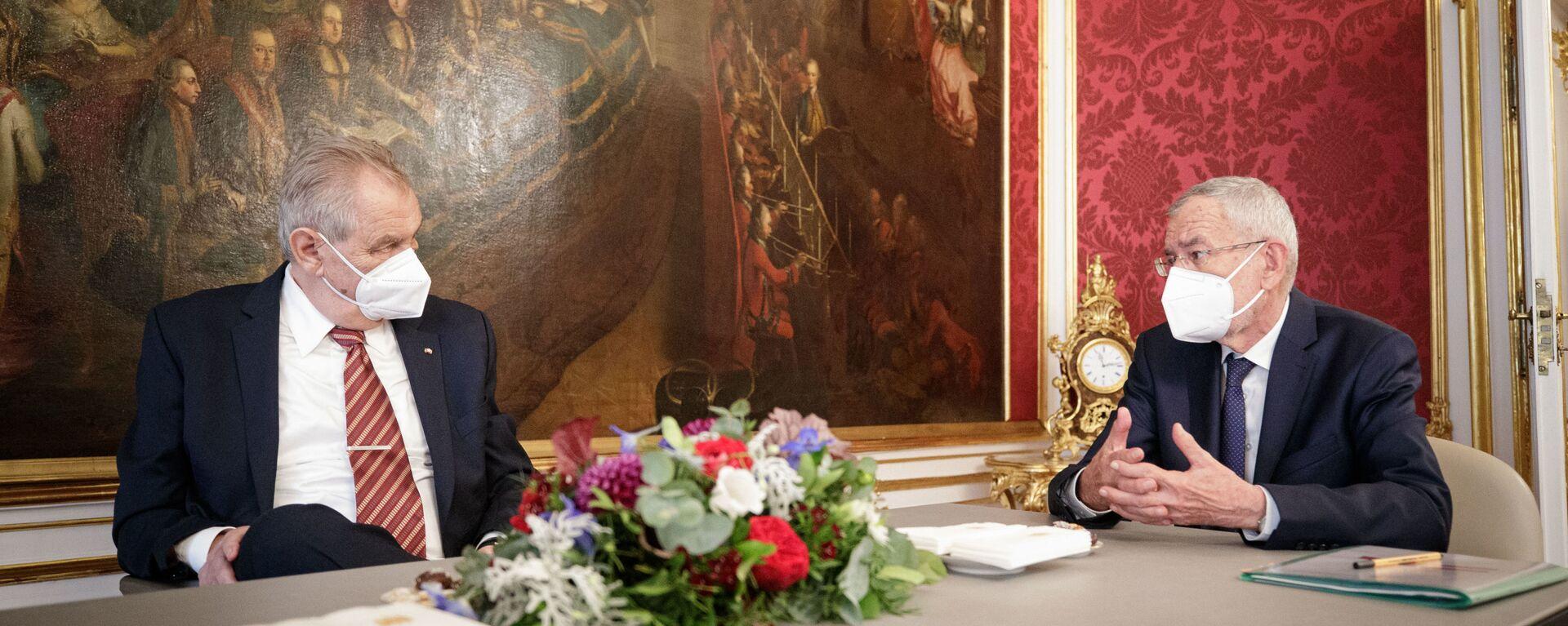 Rakouský prezident Alexander Van der Bellen a prezident ČR Miloš Zeman ve Vídni - Sputnik Česká republika, 1920, 10.06.2021