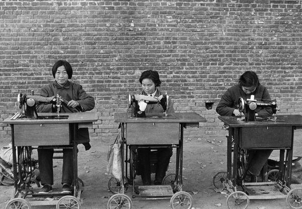 Na zákazníky čekají soukromí krejčí, Čína, 1980 - Sputnik Česká republika